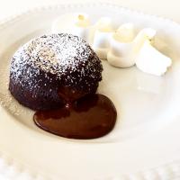 Tortino al cioccolato dal cuore morbido al peperoncino